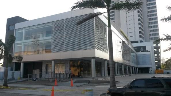 Tratamiento de Junta en Strip Mall