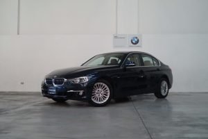 BMW 320iA Luxury Line  2016