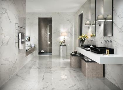 bathroom in calacatta marble effect