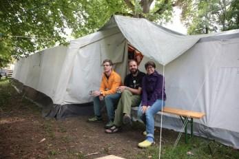 Erste Hilfe/Versorgungsteam (Matthias) und die Teambetreuung (Luke & Angy), die das gesamte Leiter & Staffteam stets bei Laune halten