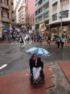 133. Det regner og vi er på vei ned til Rua 25 de Marco