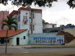 60. Defendiend Socialism