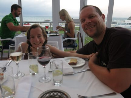 140103 - 31 - Gry og Jo i restauranten