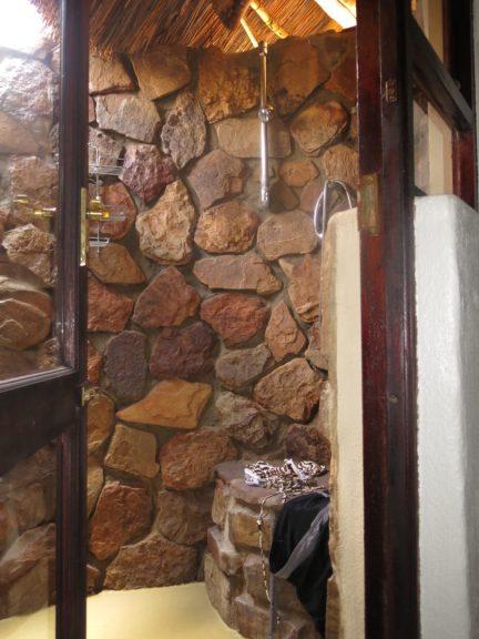 21. Utendørs dusj