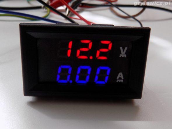 Miernik panelowy - pomiar napięcia