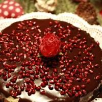 Israelkake med vaniljekrem sjokolade og granateple