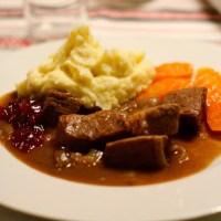 Småsteik, sosekjøtt eller kjøtt i mørke