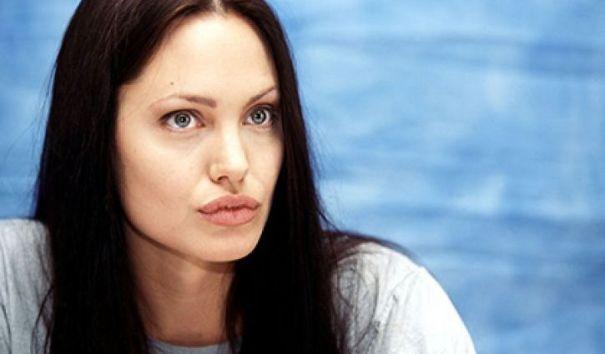 Анджелина Джоли похудела до 34 килограмм