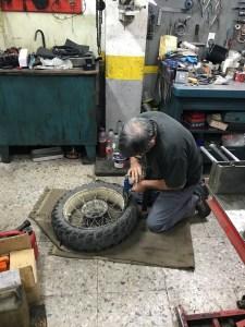 Pyrenäen Reifenwechsel