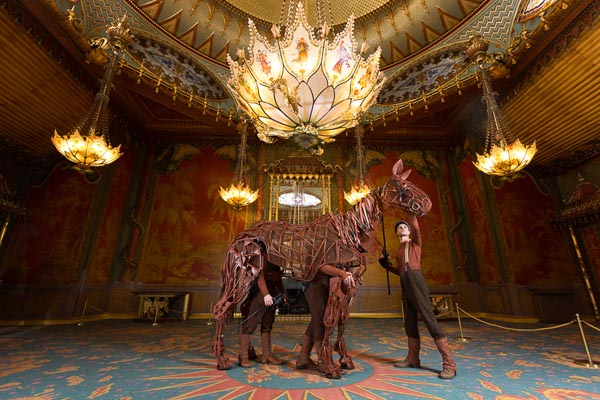 Joey visits Royal Pavilion in Brighton ahead of his UK tour
