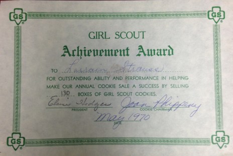 The achievement award that Lorrie received for reaching her goal.