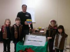 Troop 2 Delivers Cookies from the Heart 4