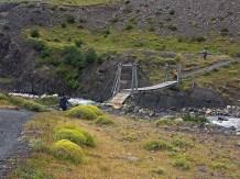 Puente colgante cerca de la Hosteria Las Torres
