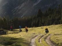 Bajando hacia el lago de San Giacomo (por Javi)
