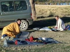 Mala noche, aprendiendo a dormir fuera del saco... Lago Isli.