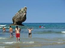 Playa de Buelna, el Titán de Baños