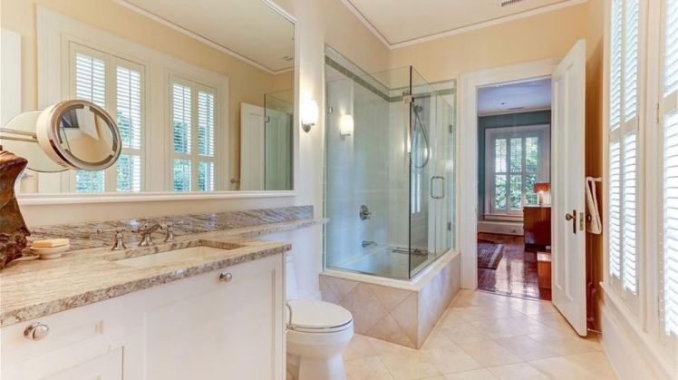 106 fisher park circle bath 1.jpg