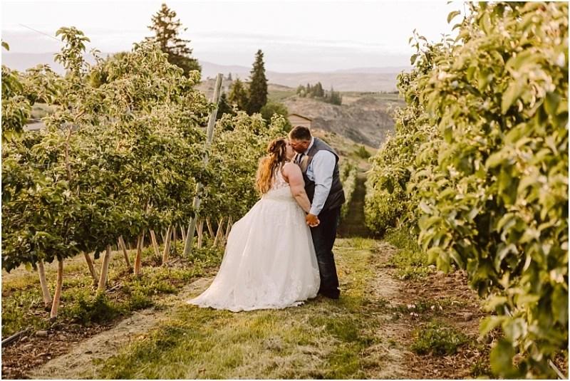 yakima vineyard wedding