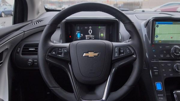 Chevy Volt Interior / Steering Wheel / Command - Chevrolet Volt - G Style Magazine - Review