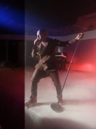 Samsung Galaxy Note II - Kanye West Performing