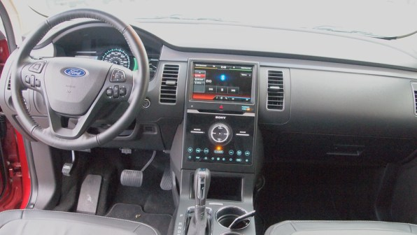 Ford Flex Limited - REview - Car - Auto - G Style magazine - interior - dashboard - steering wheel