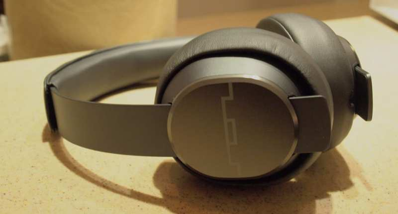 SOL Republic - Master Tracks Headphones - G Style Magazine cans / ear pieces
