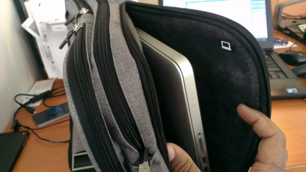 iHome Smart Sleeve Bag - apple laptop / notebook pocket / slot 2