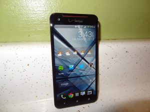 HTC Droid DNA (1)