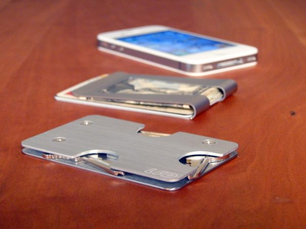 13-0814_Case+Clip+iPhone