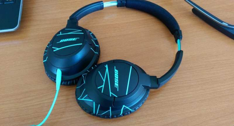 Bose SoundTrue Over Ear Headphones [Review] - Full View