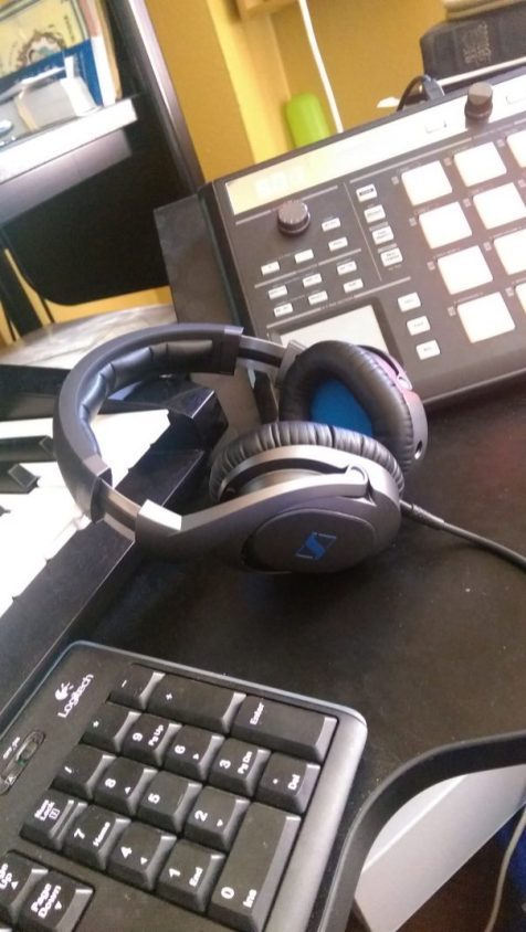 Sennheiser HD6 MIX Headphones - Side View