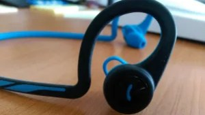 Plantronics Backbeat FIT Bluetooth ear-buds Review - side view