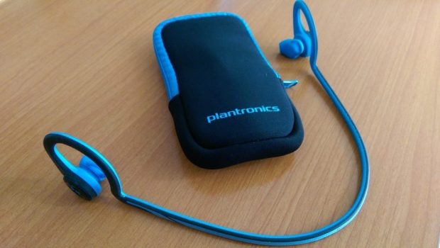 Plantronics Backbeat FIT Bluetooth ear-buds Review - carrying case