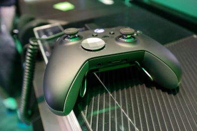 Xbox-One-Elite-Controller 3