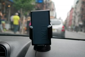 Tylt Vu Wireless Charging Car Mount 2