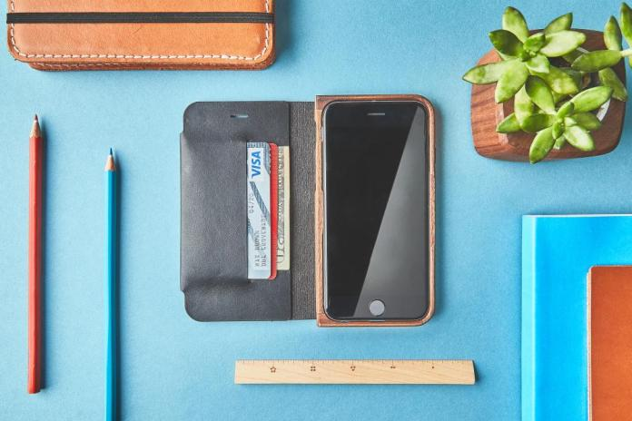 iphone-7-environment-walnut