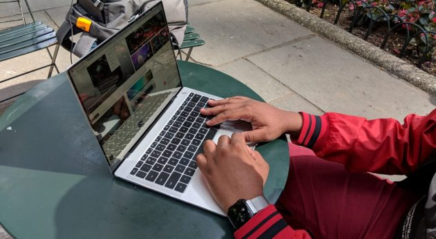 Huawei MateBook X Pro Typing