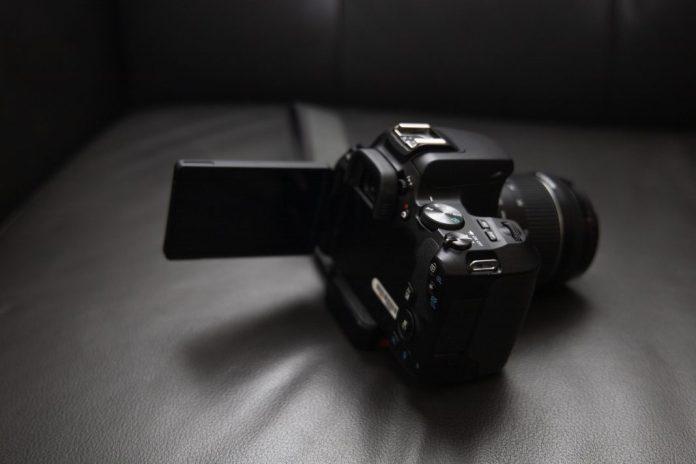 Canon-EOS-Rebel-Side