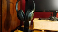Oakywood 2-in-1 Headphone Stand and Wireless Charger