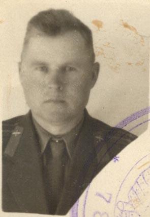 Личное дело Юркина Н.И.: фотография послевоенных лет. ЦГА ПМР. Ф. 1053. Оп. 1. Д. 6. Л. 1.
