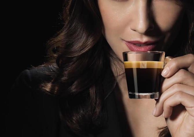 Kávézással kapcsolódunk ki és keveset mozgunk