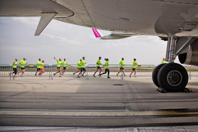 Runway Run a repülőtéren újratöltve