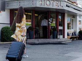 Utazás, szálloda, turizmus