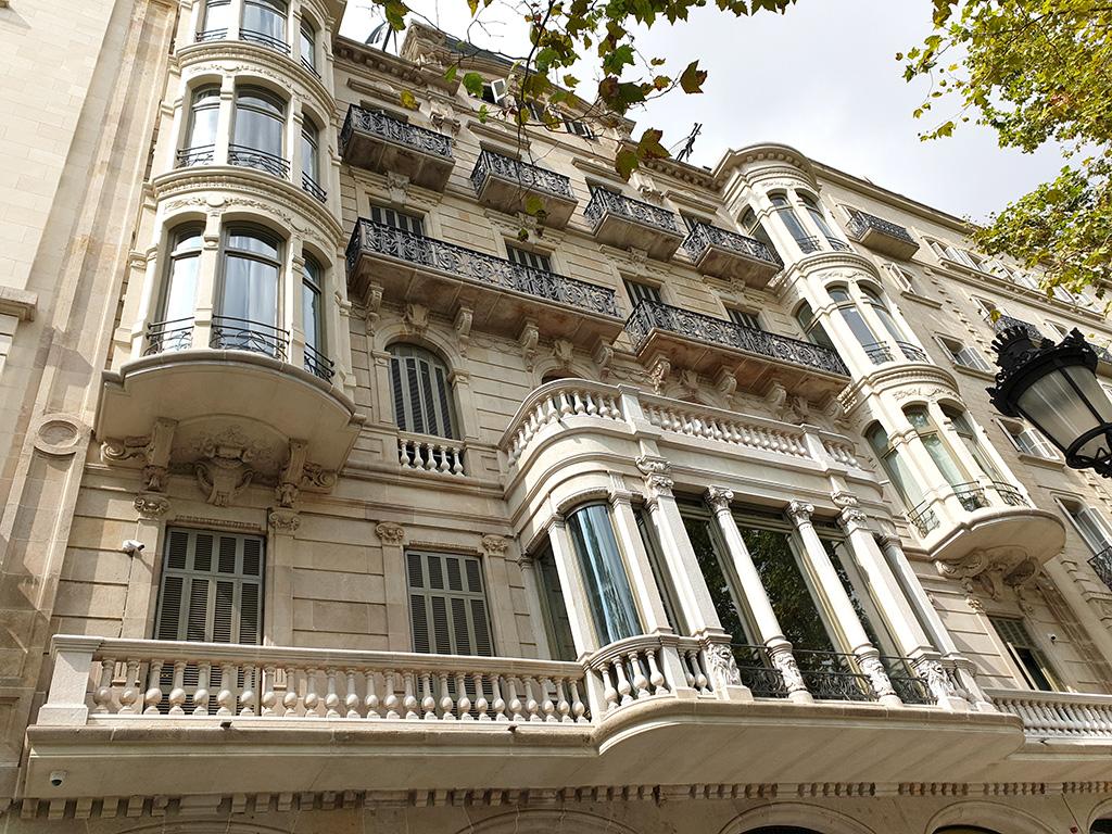 Vista façana rehabilitada Passeig de Gràcia, 3