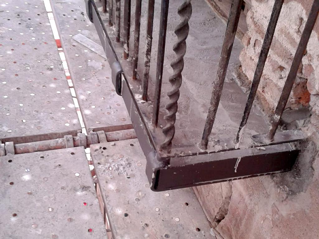 Muestra del estado de los balcones forja hierro
