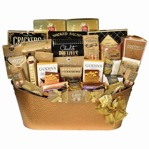 Colossal Selection, St. Patrick gift basket, gift basket Whitby, Canadian food hamper, gifts delivery Whitby.
