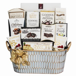 Sweet Tooth Delight, gifts for Canadian thanksgiving, Toronto thanksgiving gifts delivery, thanksgiving gifts Toronto