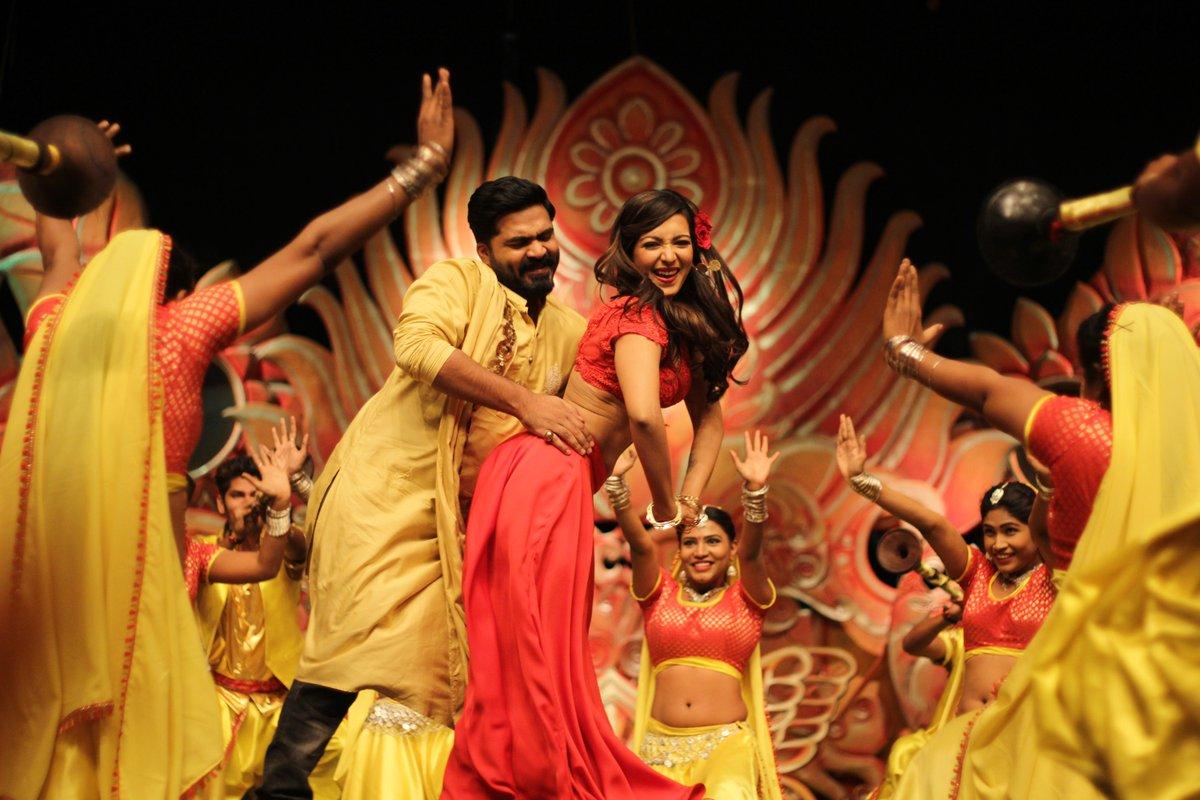 வந்தா ராஜாவாதான் வருவேன் சிம்புவின் செம ஆட்டப் பாடல் வரிகள் வீடியோ