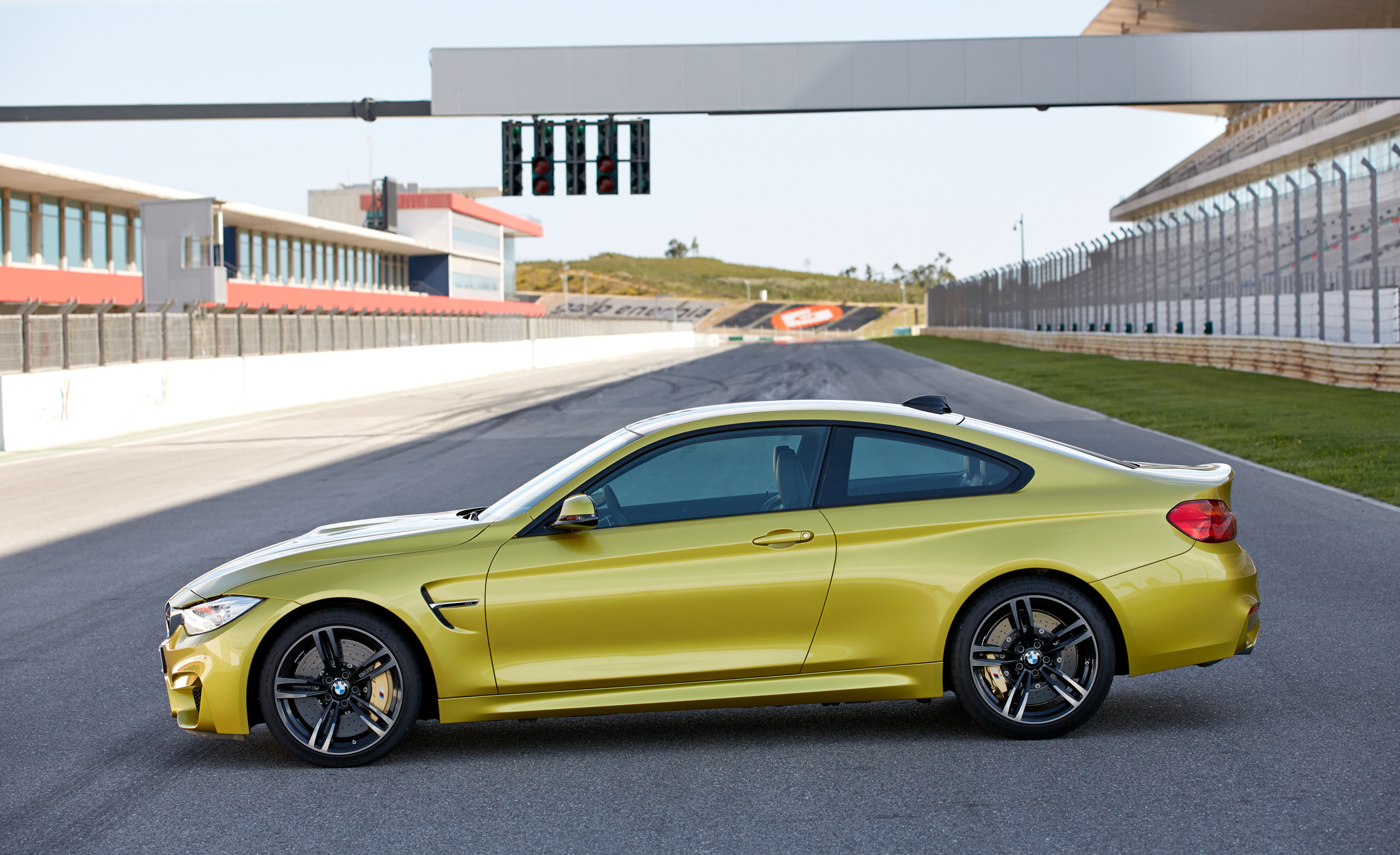2015 BMW M4 Coupe Exterior Side End