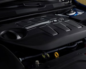 2015 Chrysler 200 Engine